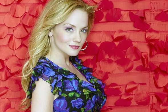 Kelly Stables pic