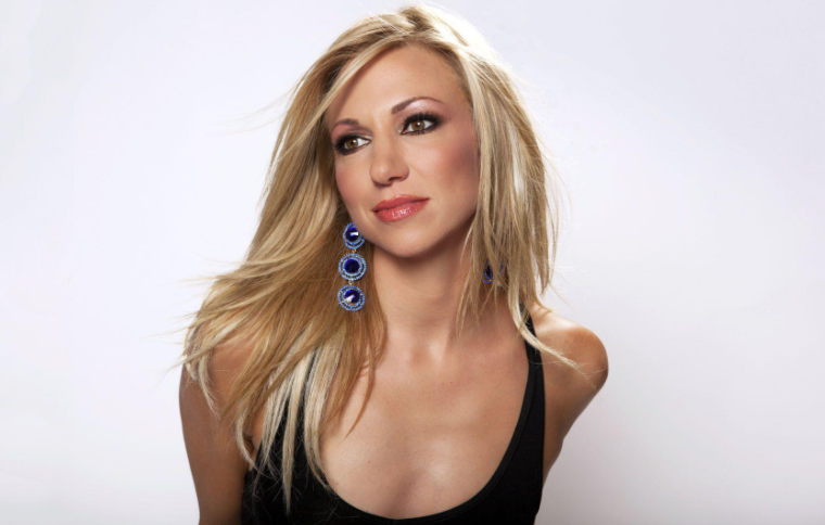 Debbie Gibson Pic